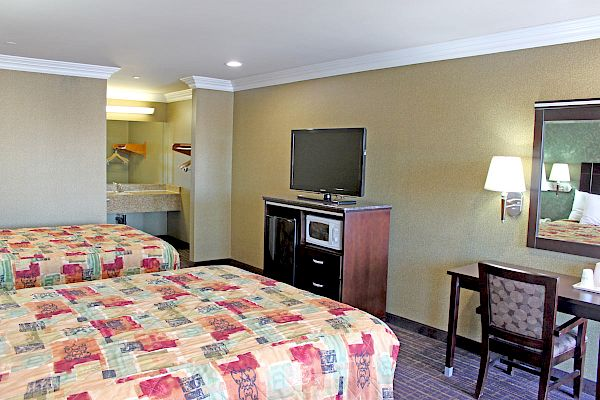 Crystal Inn Suites & Spas LAX